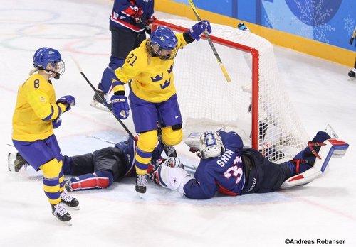 Olympic Winter Games Pyeongchang 2018 Women: SWE - COR Erica Udén Johansson #21, So Jung Shin #31, Annie Svedin #8 Kwandong Hockey Centre ©Andreas Robanser