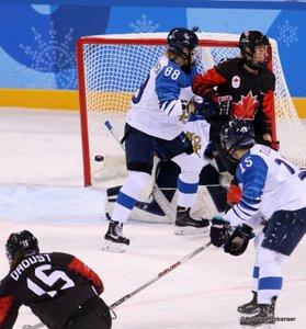 Olympic Winter Games Pyeongchang 2018 Women: CAN - FIN Mélodie Daoust #15, Ronja Savolainen #88, Minnamari Tuominen #15 Kwandong Hockey Centre ©Andreas Robanser