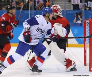 Olympic Winter Games Pyeongchang 2018 Men's: CAN - COR  Ki Sung Kim  #11, Kevin Poulin  #31 Gangneung Hockey Centre ©Andreas Robanser