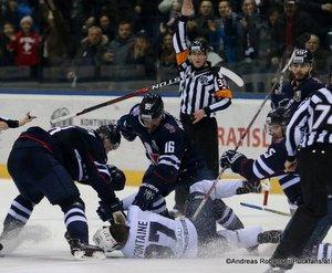 HC Slovan Bratislava - Dinamo Minsk Andrej Meszaros #16, Justin Fontaine #37, Eliezer Sherbatov #19 Ondrej Nepela Arena 01.03.2018 ©Puckfans.at/Andreas Robanser