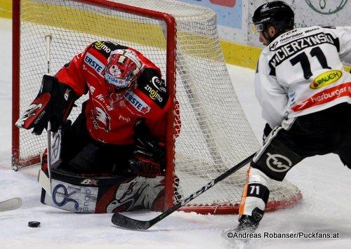 HC Orli Znojmo - Dornbirner EC Tomas Halasz  #1, Kevin Macierzynski  #71 Nevoga Arena Zimní Stadion, Znojmo ©Puckfans.at/Andreas Robanser