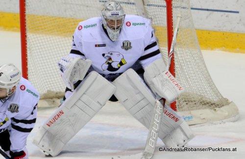 Pavel Francouz #33, Traktor Chelyabinsk KHL Season 2017 - 2018 ©Puckfans.at/Andreas Robanser