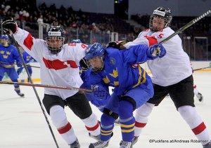 IIHF U18 World Championship SWE - SUI Mika Henauer #9, Nils Höglander #19, Guillaume Anex #5 Arena Magnitogorsk ©Puckfans.at/Andreas Robanser