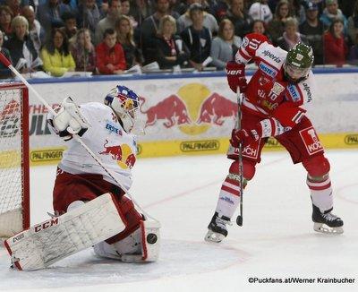 EC Red Bull Salzburg - HC Bozen Bernhard Starkbaum #29, Mike Angelidis #10