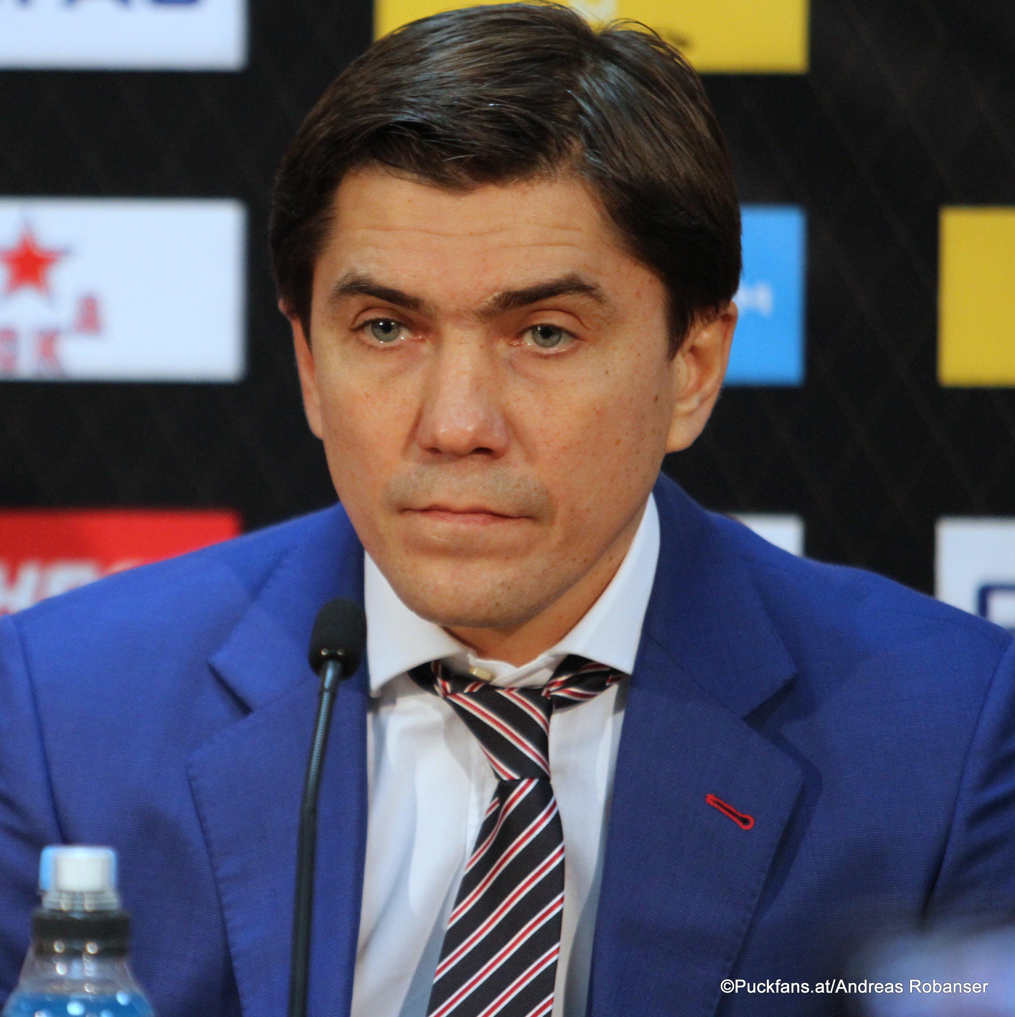 CSKA Head Coach Igor Nikitin  ©Puckfans.at/Andreas Robanser