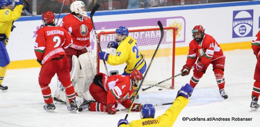 IIHF U18 World Championship BLR - SWE  Alexander Shkrabov #2,Artyom Borshyov  #4, Nikola Pasic #22, Yegor Sergiyenya  #14 Arena Metallurg, Magnitogorsk  ©Puckfans.at/Andreas Robanser