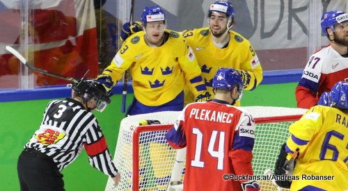 IIHF World Championship SWE - CZE Mattias Janmark #13, Mika Zibanejad #93, Tomas Plekanec #14 Royal Arena, Copenhagen ©Puckfans.at/Andreas Robanser