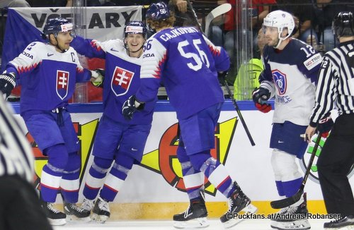IIHF World Championship  SVK - FRA Andrej Sekera #2, Michal Cajkovsky #56, Valentin Claireaux #12 Royal Arena, Copenhagen ©Puckfans.at/Andreas Robanser