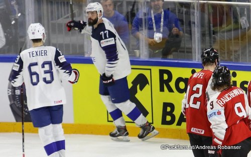 IIHF World Championship FRA - AUT Layne Viveiros #42, Alexander Rauchenwald #9, Alexandre Texier #63, Michael Raffl #12, Sacha Treille #77 Royal Arena, Copenhagen ©hockeyfans.ch/Andreas Robanser