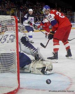 IIHF World Championship FRA - CZE Ronan Quemener #33, Dmitrij Jaskin #23 Royal Arena, Copenhagen ©Puckfans.at/Andreas Robanser
