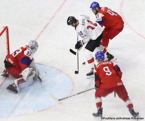 IIHF World Championship  CZE - AUT Pavel Francouz #33, Michael Raffl #12, David Sklenicka #9 Royal Arena, Copenhagen ©Puckfans.at/Andreas Robanser