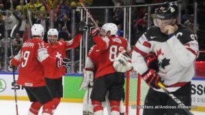 IIHF World Championship Semifinal: CAN - SUI Reto Schäppi #19, Simon Moser #82, Connor McDavid #97 Royal Arena, Copenhagen ©Puckfans.at/Andreas Robanser