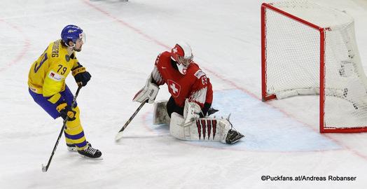 IIHF World Championship Gold Medal Game SWE - SUI Filip Forsberg #79, Leonardo Genoni #63 Royal Arena, Copenhagen ©Puckfans.at/Andreas Robanser