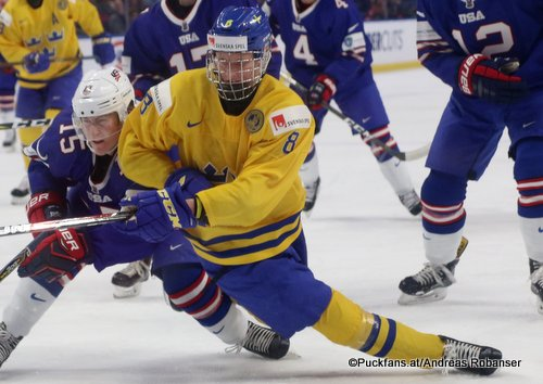 Rasmus Dahlin #8, Sweden IIHF World Juniors 2018 ©Puckfans.at/Andreas Robanser