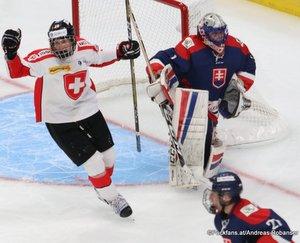 Hlinka Gretzky Cup 2018, SUI - SVK Yves Stoffel #23, Patrik Kozel #1 Rogers Place, Edmonton ©Puckfans.at/Andreas Robanser