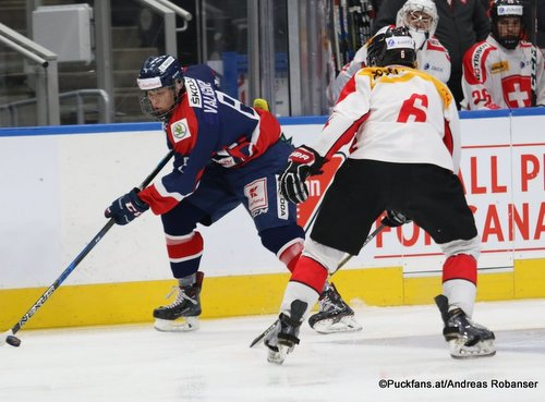 Hlinka Gretzky Cup 2018, SUI - SVK Adrian Valigura +8, Noah Delémont #6 Rogers Place, Edmonton ©Puckfans.at/Andreas Robanser