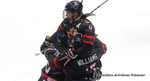 Hlinka Gretzky Cup 2018, Semifinal USA - CAN Bowen Byram #4, Josh Williams #15, Payton Krebs Rogers Place, Edmonton ©Puckfans.at/Andreas Robanser