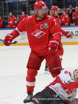 Spartak Moskau Season 2017-18 Dmitri Kalinin #7 ©Puckfans.at/Andreas Robanser