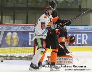 Energie Icehockey Trophy 2018 Graz 99ers - HC Sparta Praha Lukas Rousek #10, Thomas Höneckl #33 Eishalle Liebenau ©Puckfans.at/Andreas Robanser