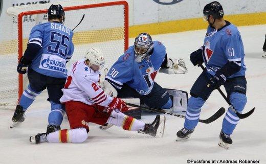 HC Slovan Bratislava - Jokerit Helsinki Nicholas Schaus #55, Brian O'Neill #21, Jakub Stepanek #30, Ivan Svarny #51 ©Puckfans.at/Andreas Robanser