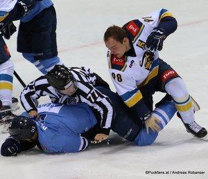 HC Slovan Bratislava - HC Sochi Ivan Svarny #51, Damir Rakhimullin #98 ©Puckfans.at/Andreas Robanser