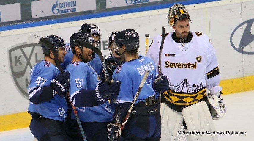 HC Slovan Bratislava - Severstal Cherepovets Mário Lunter #47, Ivan Svarny #51, Mario Grman #7, Eduard Simun #92, Dominik Furch #38 ©Puckfans.at/Andreas Robanser
