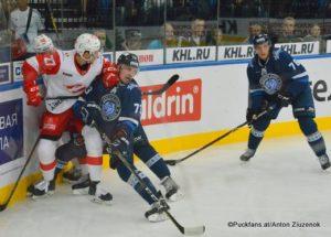 Dinamo Minsk - Spartak Moskau Vyacheslav Leshchenko #27, Dmitry Znakharenko #73, Beau Bennett #78 ©Puckfans.at/Anton Ziuzenok
