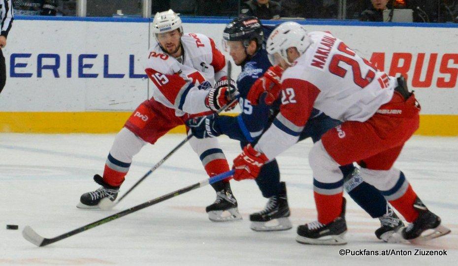 Dinamo Minsk - Lokomotiv Yaroslavl Artyom Volkov #85, Brandon Kozun #15, Jakub Nakládal #22 ©Puckfans.at/Anton Ziuzenok