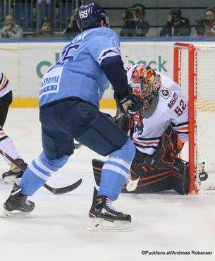 HC Slovan Bratislava - Amur Khabarovsk Rudolf Cerveny #65, Yevgeni Alikin #52 ©Puckfans.at/Andreas Robanser