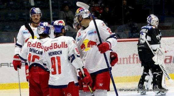 HC Orli Znojmo - EC Red Bull Salzburg Ryan Duncan #16, Dominique Heinrich #91, Peter Hochkofler #26. Thomas Raffl #5, Teemu Lassila #19 ©Puckfans.at/Andreas Robanser