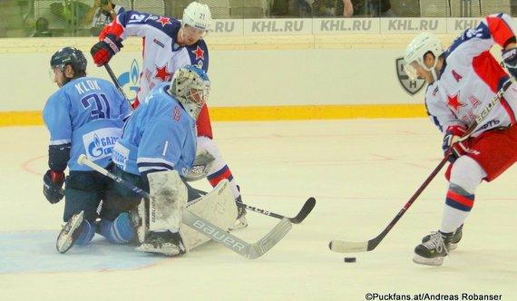 HC Slovan Bratislava - CSKA Moskau Tor #37 Mat Robinson, Sergei Kalinin #21, Marek Ciliak #1 ©Puckfans.at/Andreas Robanser