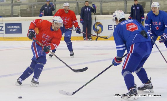 Training SKA St.Petersburg KHL World Games 2018 / Vienna Viktor Tikhonov #10 ©Puckfans.at/Andreas Robanser