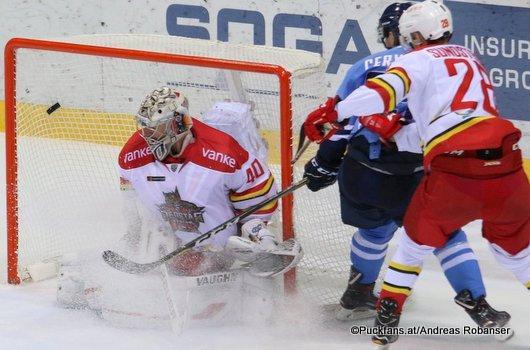 HC Slovan Bratislava - Kunlun Red Star Alexander Lazushin #40, Rudolf Cerveny #65, Johan Sundström #28 ©Puckfans.at/Andreas Robanser