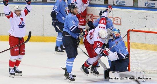 HC Slovan Bratislava - Lokomotiv Yarosavl Éric Gélinas #86, Brandon Kozun #15, Marek Ciliak #15  ©Puckfans.at/Andreas Robanser