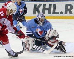 HC Slovan Bratislava - Vityaz Podolsk Borna Rendulic #71, Igor Golovkov #11 ©Puckfans.at/Andreas Robanser