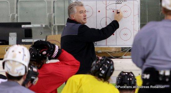 ÖEHV Head Coach Roger Bader ©Puckfans.at/Andreas Robanser