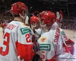 IIHF World Juniors SUI - RUS Ivan Muranov #23, Dmitri Samorukov #5 Rogers Place, Vancouver ©Puckfans.at/Andreas Robanser