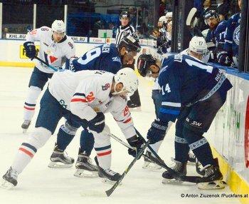 Dinamo Minsk - HC Slovan Bratislava Yevgeni Lisovets #14, Kyle Chipchura #24 © Anton Ziuzenok /Puckfans.at