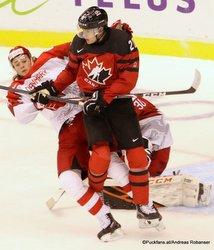 IIHF World Juniors CAN - DEN Malte Setkov #3, Brett Leason #20, Mads Søgaard #30 Rogers Place, Vancouver  ©Puckfans.at/Andreas Robanser