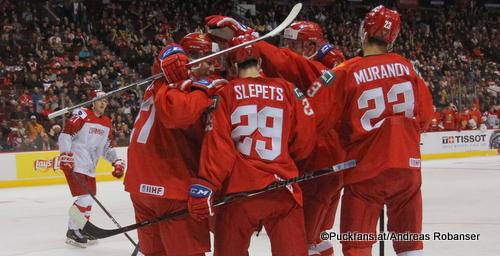 IIHF World Juniors RUS - DEN Phillip Schultz #27, Mark Rubinchik #27, Kirill Slepets #29, Ivan Muranov #23 Rogers Place, Vancouver ©Puckfans.at/Andreas Robanser