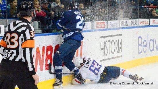 Dinamo Minsk - HC Slovan Bratislava Patrick Wiercioch #28, Patrik Lamper #63 © Anton Ziuzenok /Puckfans.at