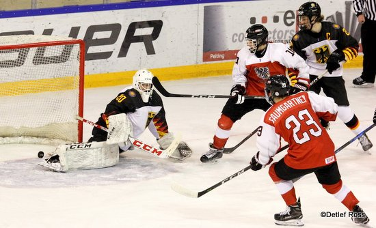 AUT - GER U20 WM Div 1A Henrik Hane #20, Benjamin Baumgartner #23 ©Detlef Ross