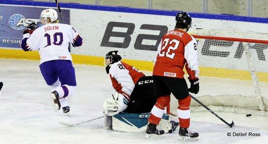 IIHF U20 World Championship Div 1A AUT - NOR Samuel Solem +10, Paul Mocher #20, Niklas Wurschl #22 © Detlef Ross