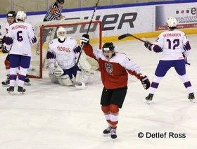IIHF U20 World Championship Div 1A AUT - NOR Jonas Meisingset #6, Jonas Wikstol #20, Vaentin Ploner #11Joachim Hermansen #12 © Detlef Ross