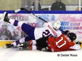 IIHF U20 World Championship Div 1A AUT - NOR Vaentin Ploner #11, Kristian Marthinsen #24 © Detlef Ross