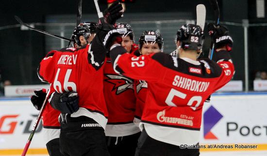Avangard Omsk KHL Season 2018-19 Ilya Mikheyev #66, Ville Pokka #22, Sergei Shirokov #52 © Puckfans.at/Andreas Robanser