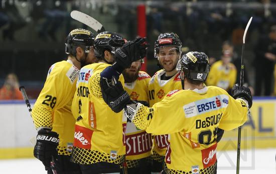 spusu Vienna Capitals vs. EC Red Bull Salzburg; EBEL; Halbfinale; Wien; 07.04.2019; ©Werner Krainbucher, Puckfans.at